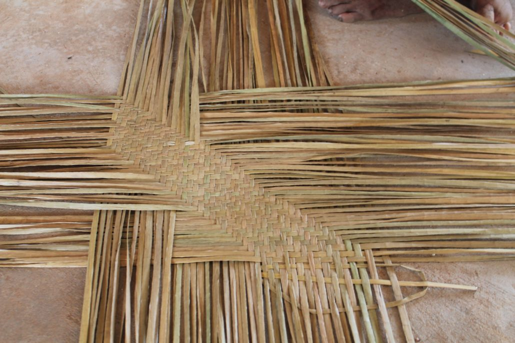 Lepironia Weaving, Anlung Pring