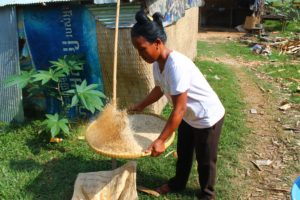 Khmer Rice Flakes Making, Anlung Pring